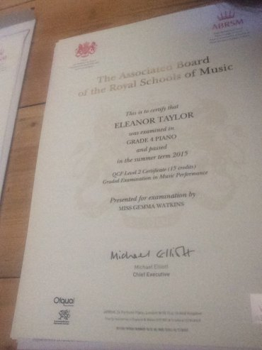 eleanor-taylor-abrsm-garde-4-pass