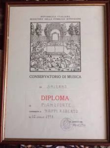 Roberto diploma certificate